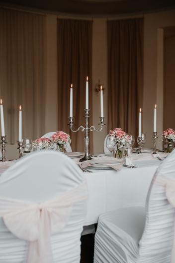 klassische-dekoration-hochzeit-rosa-10