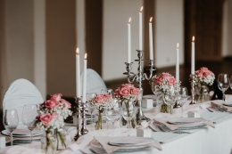 klassische-dekoration-hochzeit-rosa-13