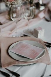 klassische-dekoration-hochzeit-rosa-16