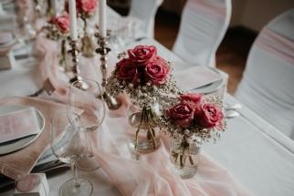 klassische-dekoration-hochzeit-rosa-18
