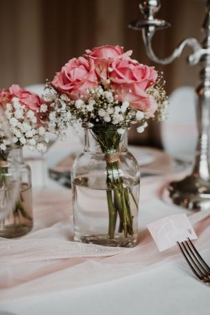 klassische-dekoration-hochzeit-rosa-20