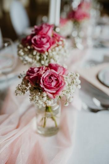 klassische-dekoration-hochzeit-rosa-21