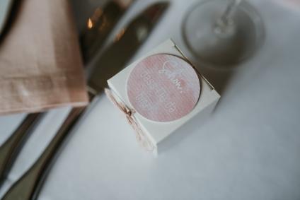 klassische-dekoration-hochzeit-rosa-3