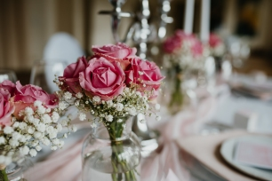 klassische-dekoration-hochzeit-rosa-6