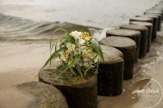 usedom-hochzeit-strand-zempin-blumen-haare-4