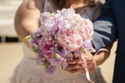 Blumen-Heiraten-auf-Usedom-brautsrauß-rosen-und-dornen-florist-zinnowitz-blumenladen-strauß-rosa